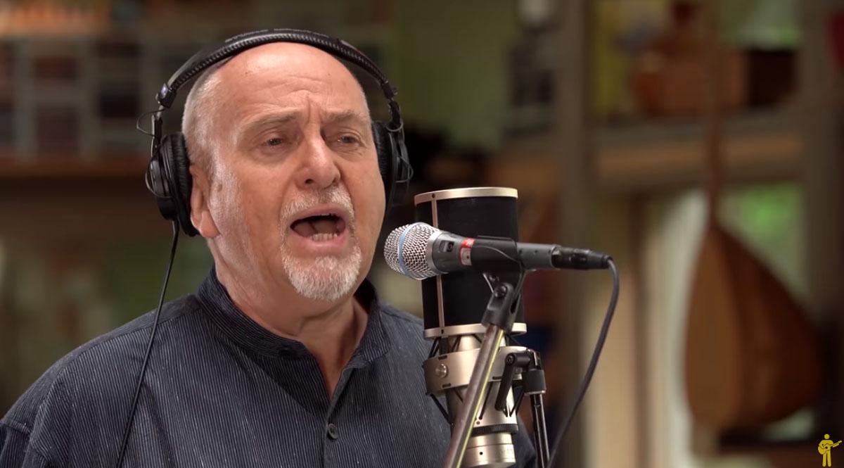 Peter Gabriel: Η επανεκτέλεση και κυκλοφορία του «Biko» θέλει να αλλάξει τον κόσμο [vid]